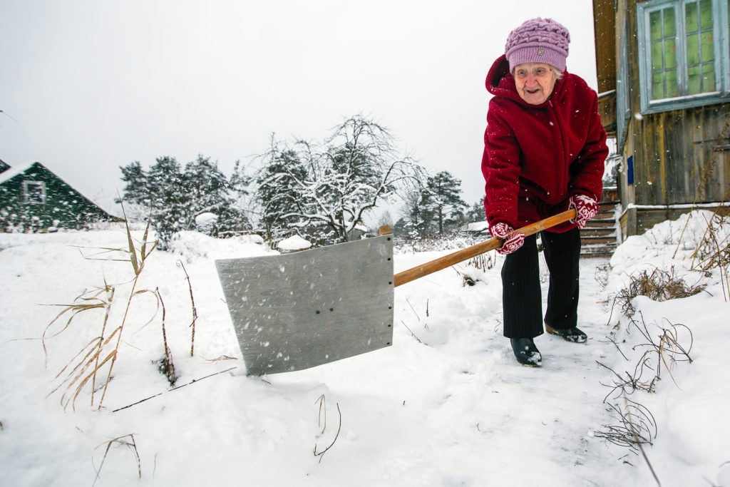 Why is Winter Weather So Hard on Senior Health?