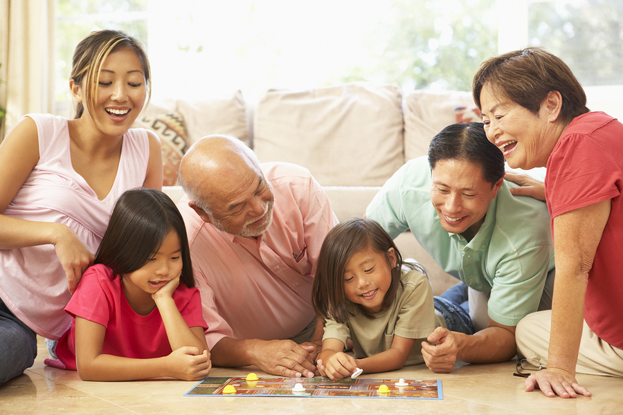 How Can Families Come Together to Help With Senior Care?